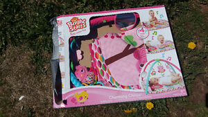 Baby play mat only used once still in box:)