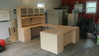 U-Group Laminate Workstation with Hutch