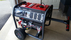 BRIGGS & STRATTON 10000/8000 GENERATOR ONLY 5.5HOURS