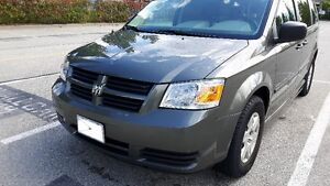 2010 Dodge Grand Caravan Minivan, Wheelchair Handicap Van