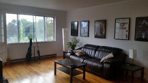Chambre à louer TOUT INCLUS dans un superbe appartement