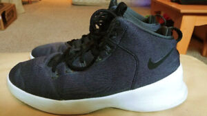nike fitness shoes size 10