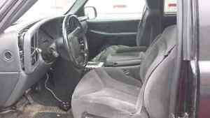 WE ARE PARTING OUT A 2000 GMC SIERRA Z71 Windsor Region Ontario image 4