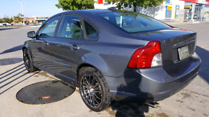 AWD TURBO Volvo! LOW KMS! Reduced price!