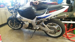 2001 gsxr750 for sale or trade