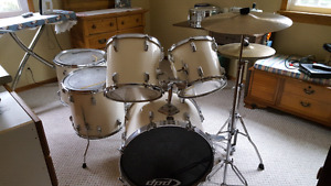 Tama  swingstar 6 drum kit from the 80^s