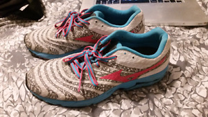 Mizuno Women's shoes