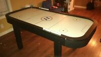 "40"" X 70"" AIR HOCKEY TABLE GREAT CONDITION"