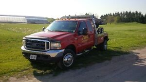 2004 Ford F-550 Tow Truck.