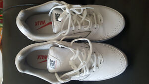 Nike Sneakers/Running Shoe, Leather Health Walkers size10