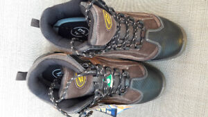 Safety boots, NEW !