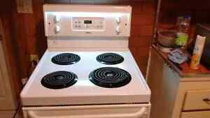 Apartment sized(24 inch) electric oven with self-clean functions London Ontario image 9