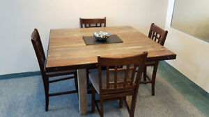 Gorgeous wood dining set. *REDUCED*
