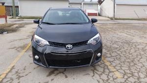 2015 Toyota Corolla S. Leather Heated. Sunroof. Camera. Remote