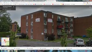 GRAND 5 1/2 a La Prairie près de services,Montreal 5 min en auto