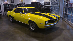 1969 Camaro SS refait à neuf à 100% condition Show Room