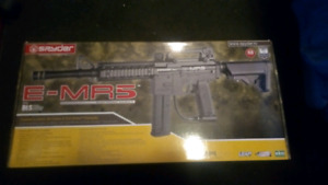 Spyder E-MR5 Paintball Gun