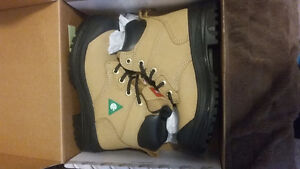 Womens size 5 steel toe boots brand new $50