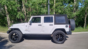 2014 JEEP WRANGLER SAHARA UPGRADED!!
