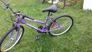 "Used bicycle for woman 24"", Vélo d'occasion pour femmes 24 """