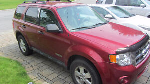 2008 Ford Escape xlt SUV - 2225$ negotiable