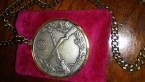 Superbe Medaille antique de tire