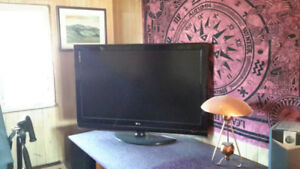 52 inch LG tv for sale