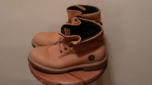Men's Size 9M Timberland Boots