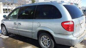Chrysler Town & Country 4X4 AWD