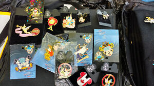 Large disney trading pins collection with 2 cases Cambridge Kitchener Area image 4
