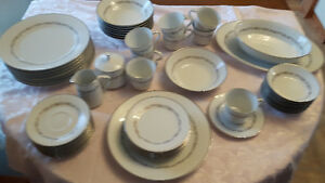 8 place setting dinnerware