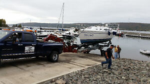 boat transport on hydraulic trailer ,power & sail ,,fishingboats