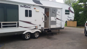 2007 PALOMINO THOROUGHBRED REDUCED 30 FT.ULTRA LIGHT .