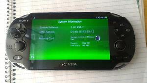 Vends PsVita 3.60Henkaku, cm4&8GB, 2 jeux ou échange pour New3DS