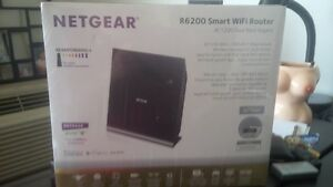 Netgear R6200 Smart WiFi Router