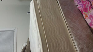 Double mattress set with boxspring