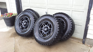PRO COMP 35s on ULTRA WHEELS,,,DRESS UP YOUR DODGE