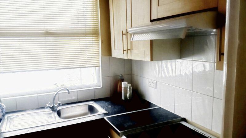 1 bedroom flat in Woodside Green, London, SE2