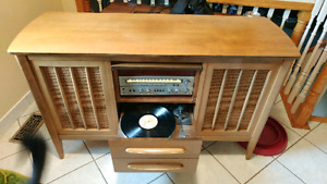 Working record player console with amazing sound and style