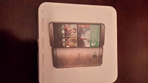 HTC one M8 in box looks like new