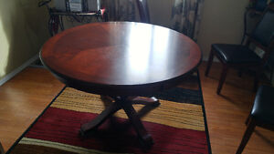 Solid Wood Round Dining Table - Perfect Condition!