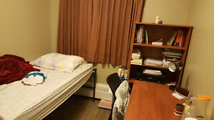 all inclusive summer sublet for female student/professional