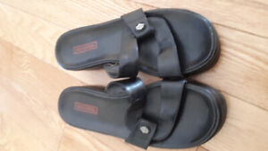 Ladies HARLEY DAVIDSON size 8 black leather sandals