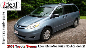 2009 Toyota Sienna -Auto!-Air LOW mileage No Rust!-No Accidents!