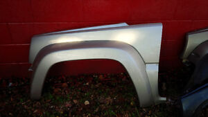Jeep Liberty Front Fenders London Ontario image 1