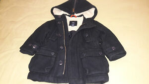 BLACK BABY GAP WINTER COAT FOR 18-24 MTHS OLD Kitchener / Waterloo Kitchener Area image 4