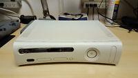 Xbox 360 (20 GB) + 17 jeux