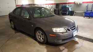 2006 Saab 9-3 turbo with leather and sunroof