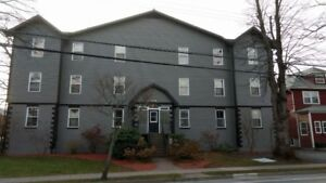 PRICE DROP 4 BEDROOM APARTMENT ON WINDSOR STREET