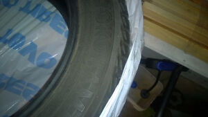 SET OF PRACTICALLY NEW 215/60 R17 YOKOHAMA ICE GUARD SNOW TIRES Kitchener / Waterloo Kitchener Area image 2